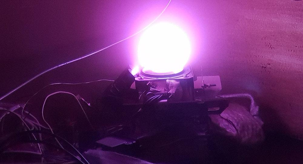 El ensayo de un nuevo motor de cohete de propulsión eléctrica que utiliza yodo