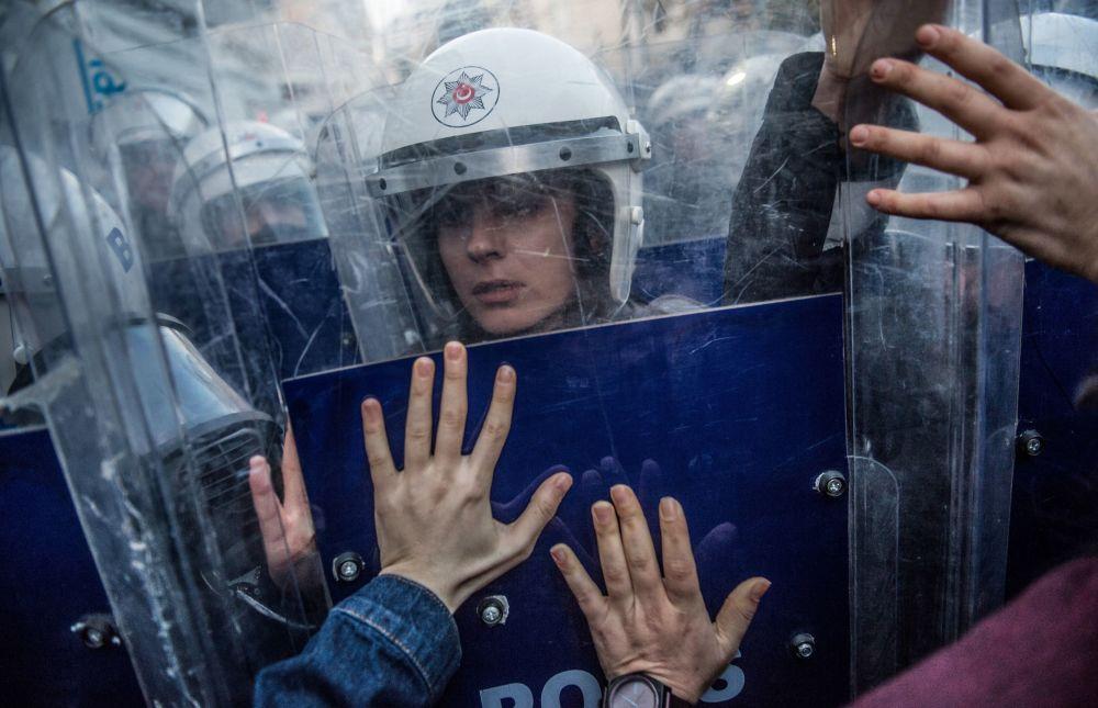 Porristas, manifestantes y bailarines: así son las imágenes de la semana