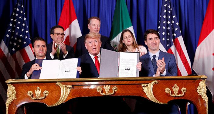 El presidente de Mexico, Enrique Peña Nieto, el presidente de EEUU, Donald Trump, y el primer ministro de Canadá, Justin Trudeau