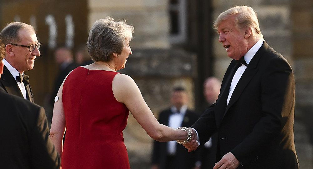 Theresa May junto a Donald TRump en su primera visita oficial a Londres