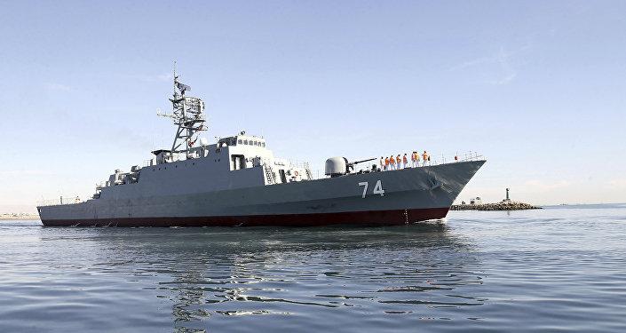 El destructor iraní Sahand navega en aguas del Golfo Pérsico, archivo
