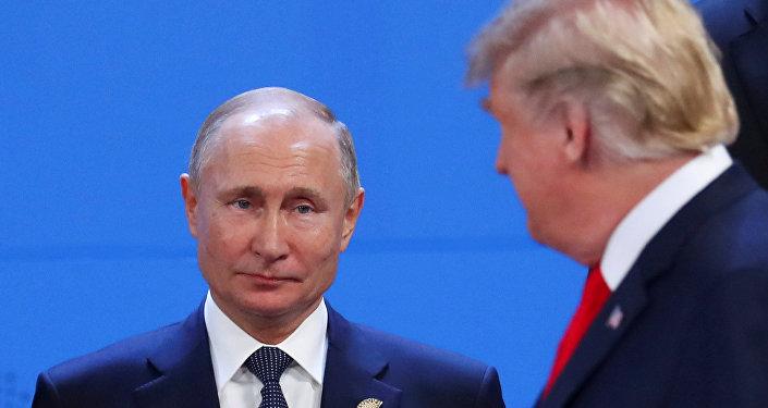 Vladímir Putin, presidente de Rusia, y Donald Trump, presidente de EEUU, en la cumbre de G20 en Argentina