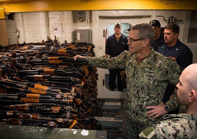 El vicealmirante de la Quinta Flota de EEUU, Scott A. Stearney