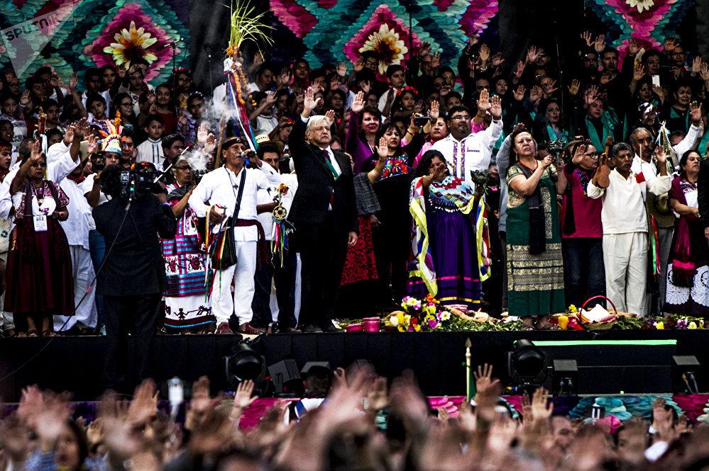 Andrés Manuel López Obrador durante su primer discurso como presidente de los Estados Unidos Mexicanos en el Zócalo capitalino