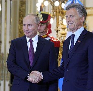 Presidente de Rusia, Vladímir Putin, con su par argentino, Mauricio Macri, durante la cumbre del G20