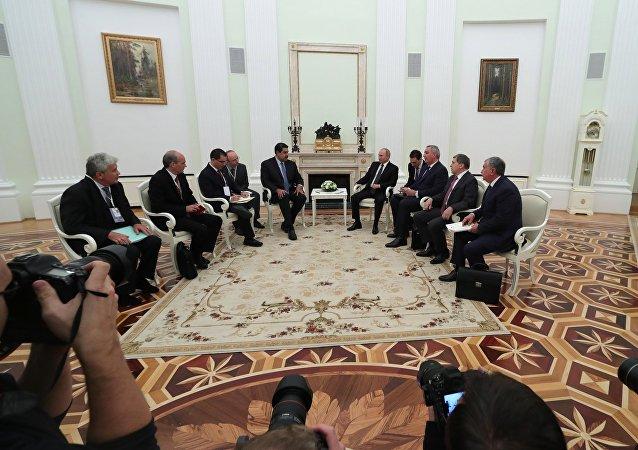 Nicolás Maduro, presidente de Venezuela y Vladímir Putin, durante su reunión en Moscú