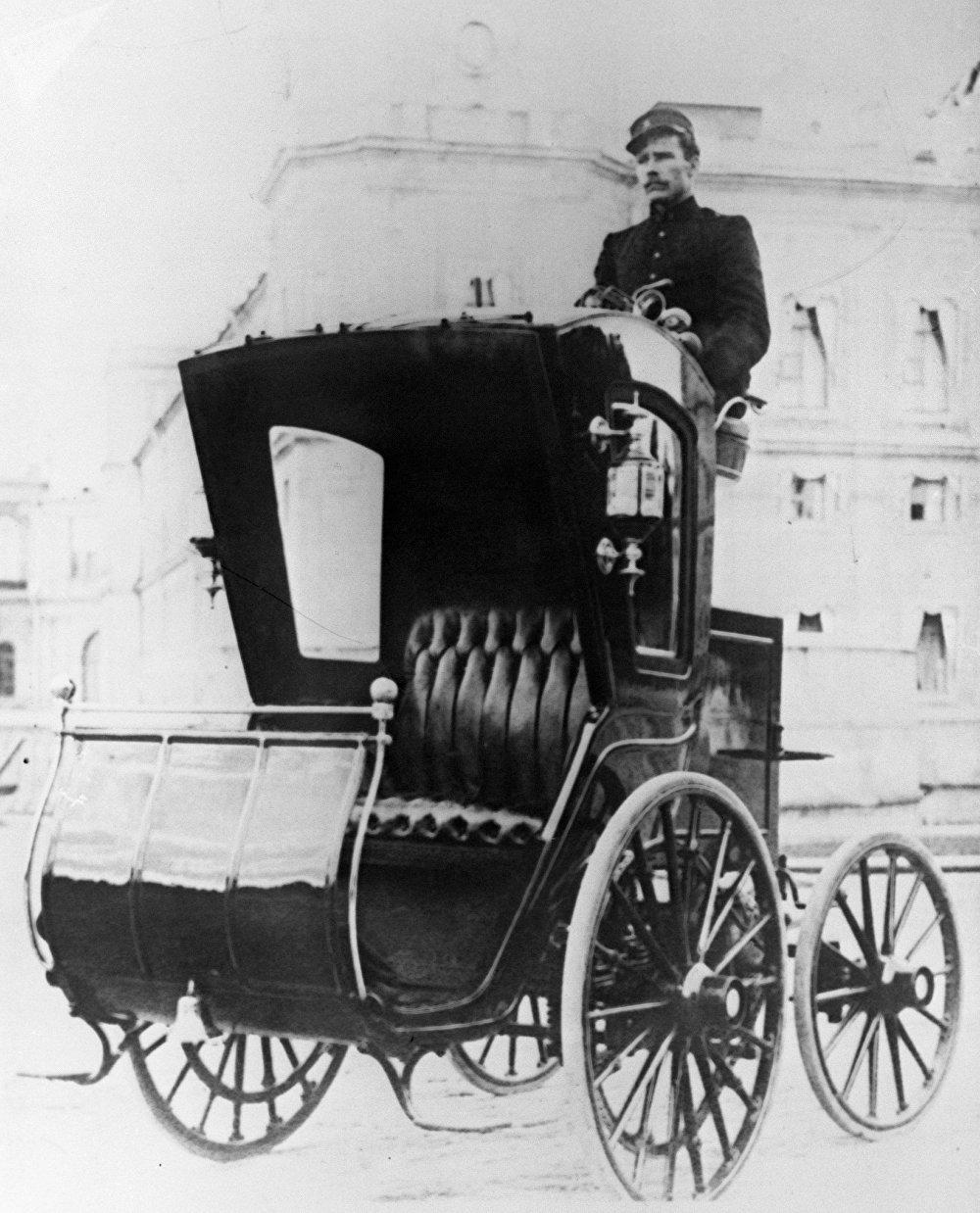 El automóvil eléctrico del inventor Románov