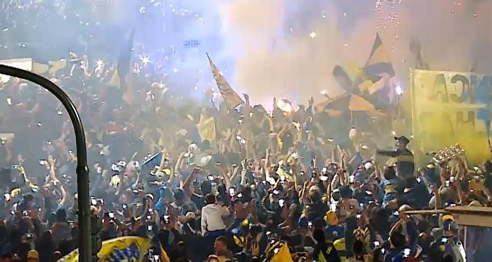 Buenos Aires se tiñe de azul y oro con la partida de Boca con destino a Madrid