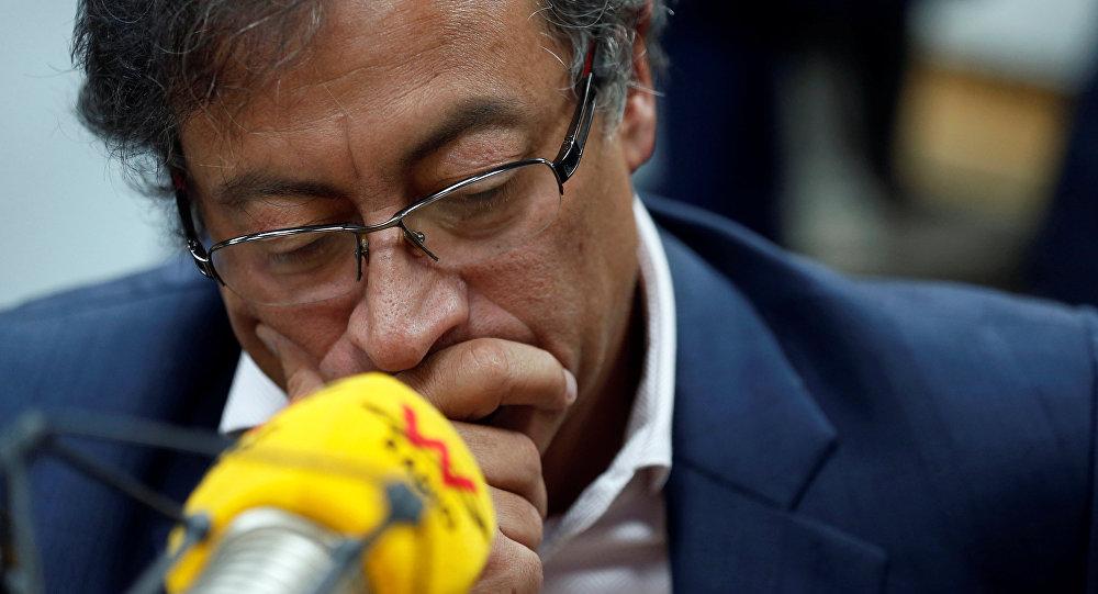 CNE abre investigación a senador Gustavo Petro