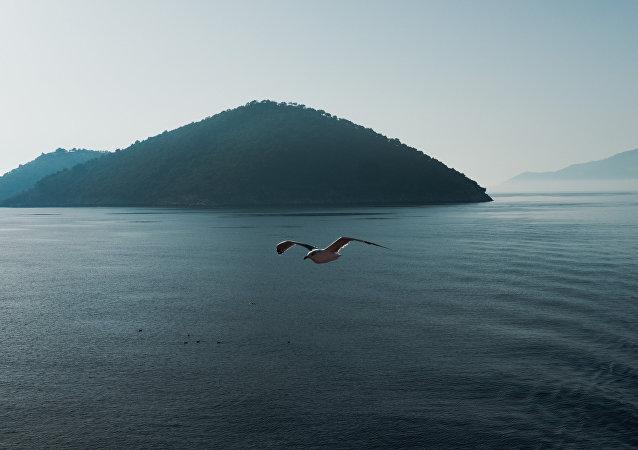 Una isla en el mar Mediterráneo