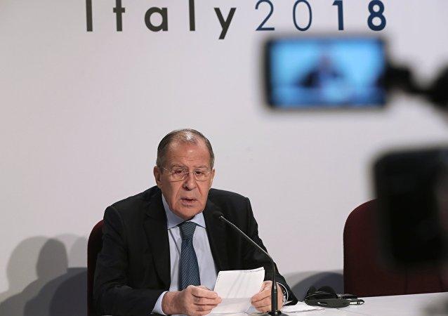 Serguéi Lavrov, canciller ruso, en una rueda de prensa en Milán