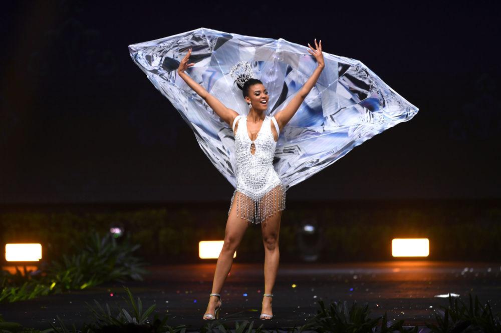 Espléndido desfile de trajes nacionales en el concurso Miss Universo 2018