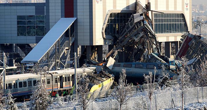 El tren descarrilado en Turquía