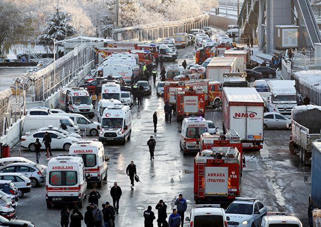 Las ambulancias en el accidente de tren en Ankara, Turquía