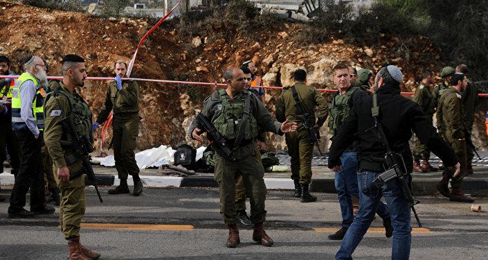 Fuerzas de Defensa israelíes en el lugar del ataque en Cisjordania