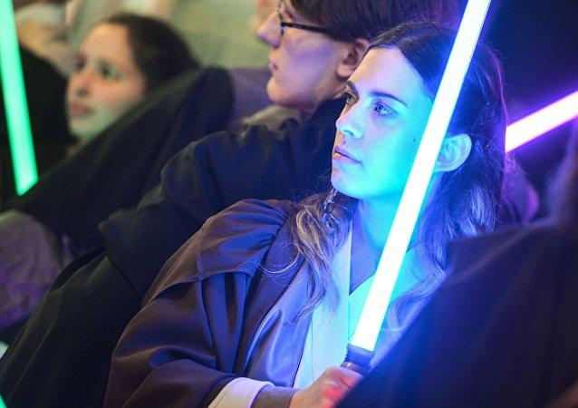 Visitantes del estreno de 'Star Wars: Episodio VII - El despertar de la Fuerza' en Moscú