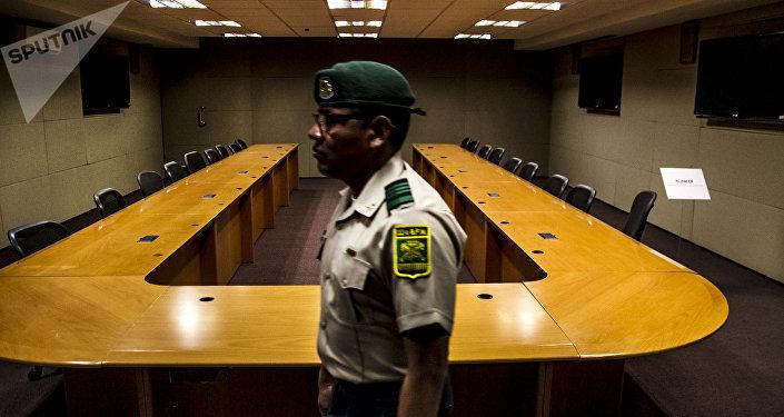 Sargento sale del búnker creado por Felipe Calderón en Los Pinos