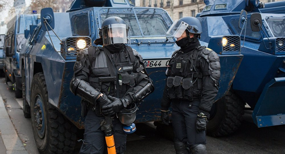La Policía francesa durante las protestas de los 'chalecos amarillos' en París