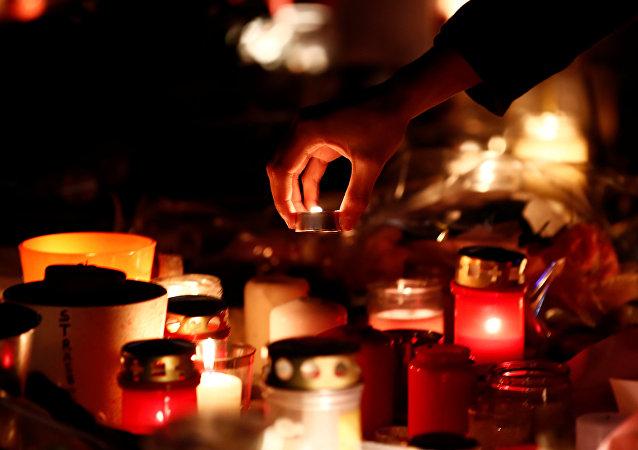 Velas en memoria de fallecidos en el ataque en Estrasburgo