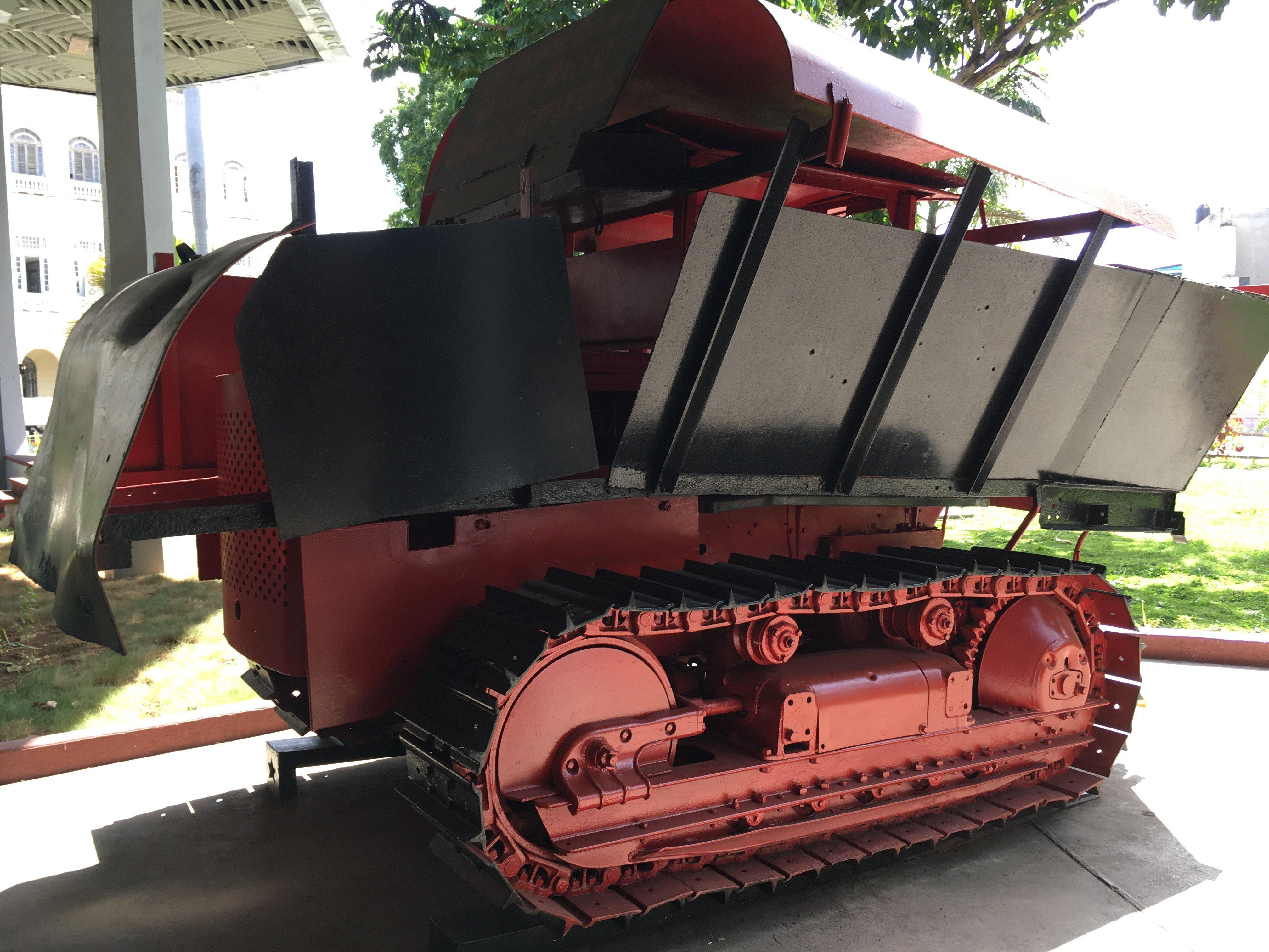 A partir del ingenioso Dragon I de Camilo Cienfuegos, otros carros blindados fueron creados por los rebeldes para luchar contra los soldados de Batista