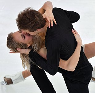 Viktoria Sinitsina y Nikita Katsalapov durante su actuación en el Campeonato Ruso de Patinaje artístico sobre hielo