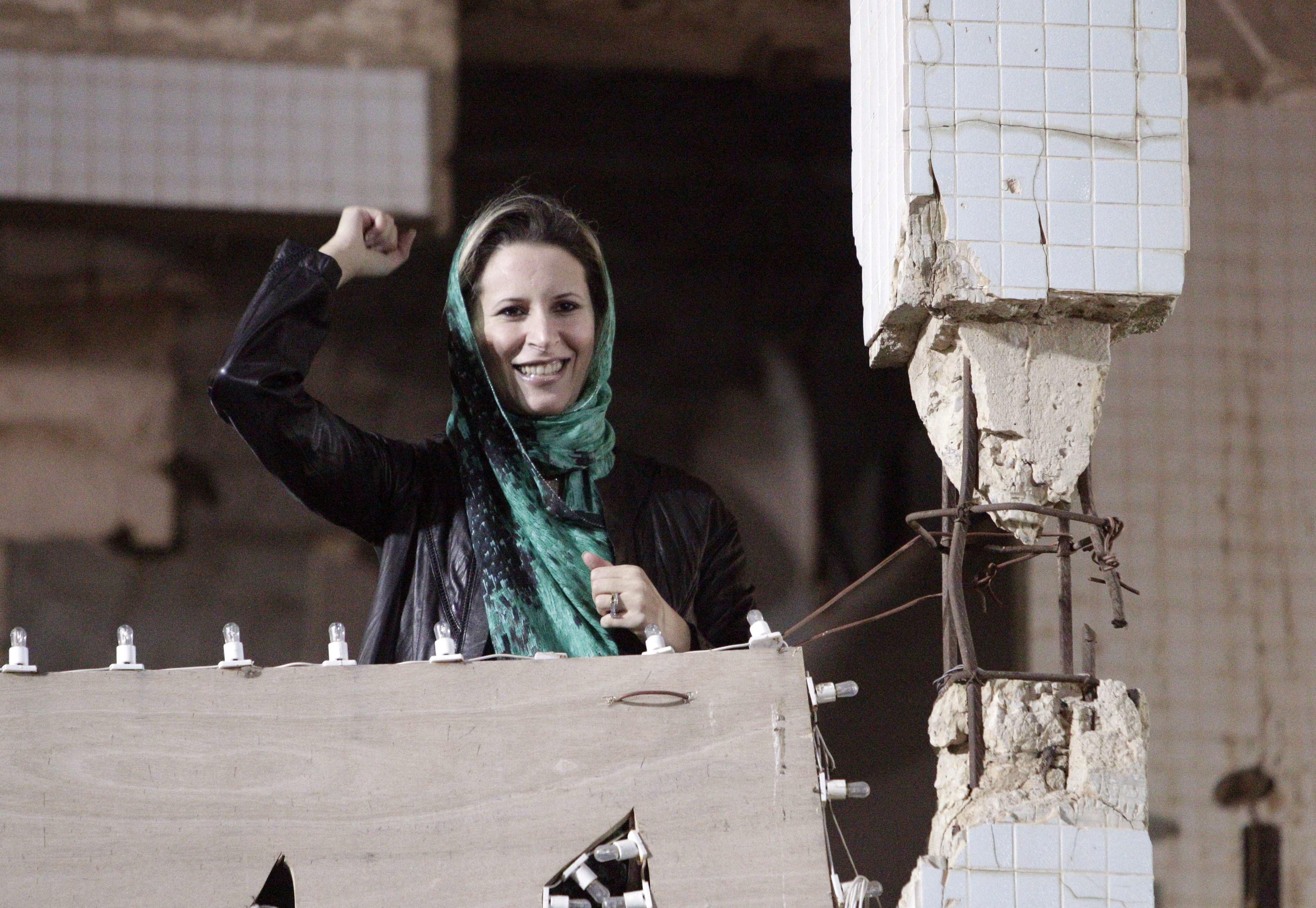 Aisha, la hija de Muamar Gadafi.