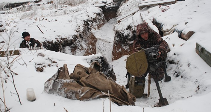 Milicias de Donbás en la línea de separación (archivo)