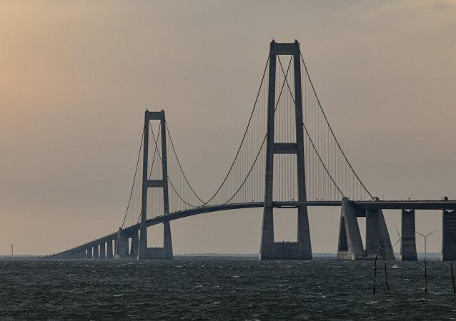 El Puente del Gran Belt en Dinamarca
