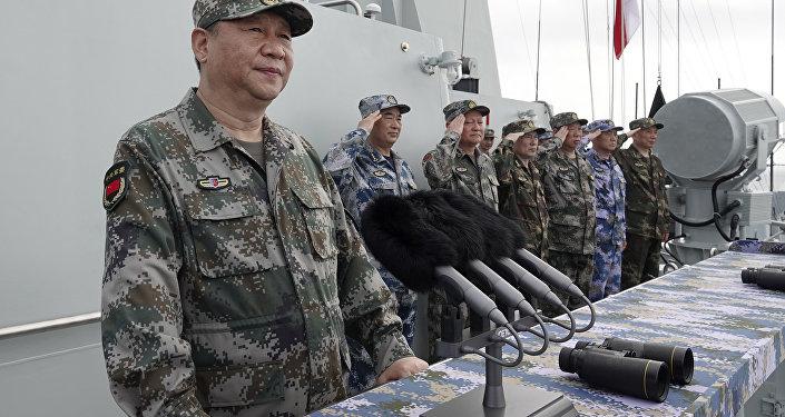 Xi Jinping, presidente y comandante en jefe de China, durante un discurso ante la Armada del Ejército Popular de Liberación (archivo)