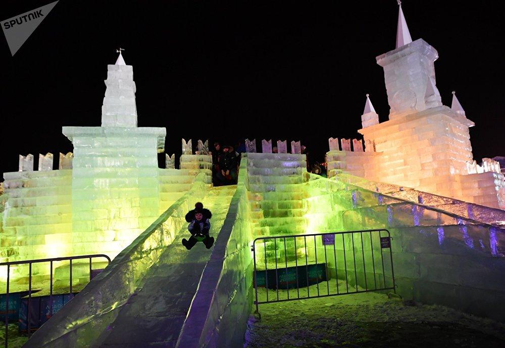 Festival de esculturas de hielo en Moscú
