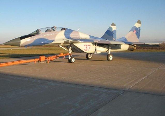 Caza MiG-29UB a la venta