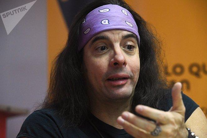 José Miguel Sánchez Gómez (Yoss), escritor de ciencia ficción cubano, durante su entrevista a Sputnik