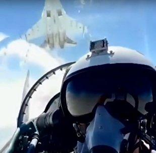Un Su-35 ruso vuelve a sorprender con una impresionante maniobra