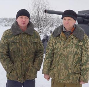 Unos hermanos rusos logran construir una impresionante réplica de un tanque alemán