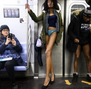 Sin pantalones en el metro, un insólito 'flashmob' mundial