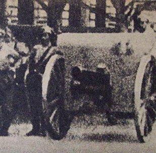 Cañones en esquina Congreso, Semana Trágica, 1919, Argentina