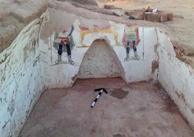 El sitio de Beir Al-Shaghala en el oasis de Dajla con dos tumbas de la época romana