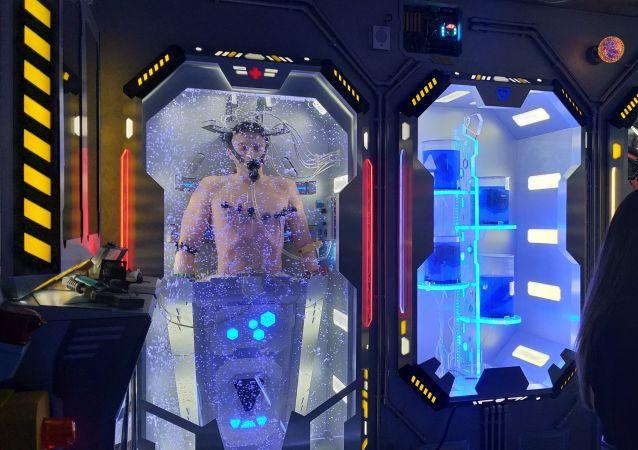UUna cápsula de regeneración de astronautas en el hotel espacial que se abrió en la ciudad rusa de Alushta