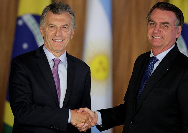 El presidente de Argentina, Mauricio Macri, con su par brasileño, Jair Bolsonaro