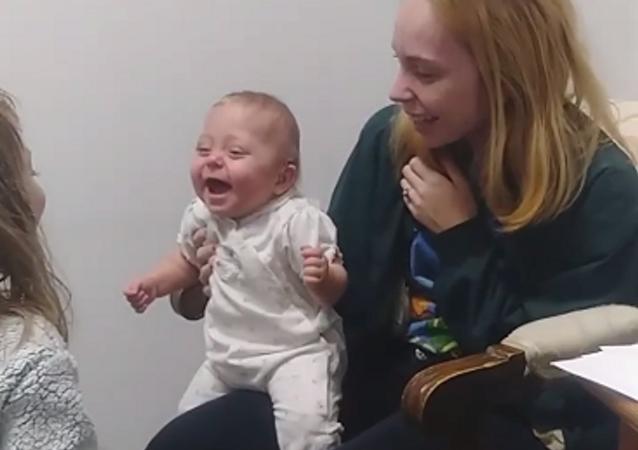 Un bebé, imagen referencial