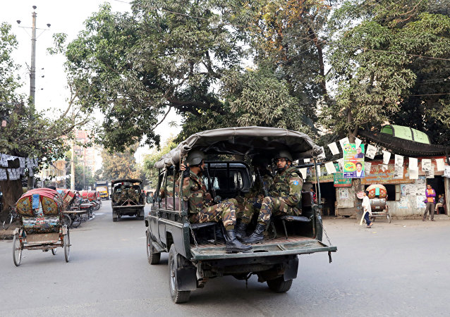 La policía de Bangladés