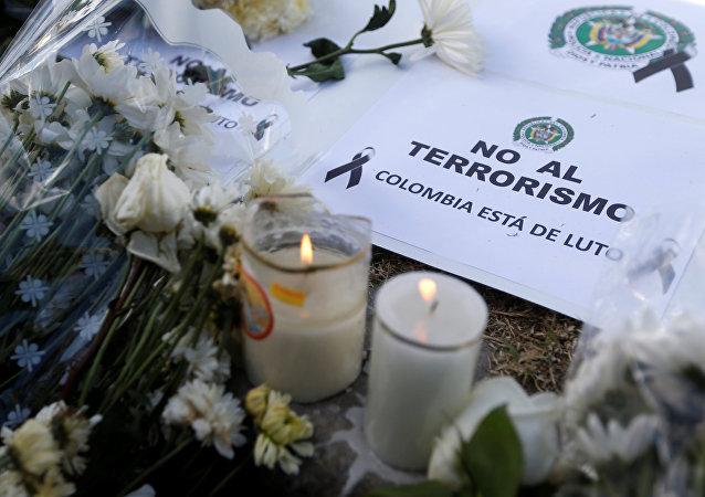 Homenaje a las víctimas del atentado en Bogotá
