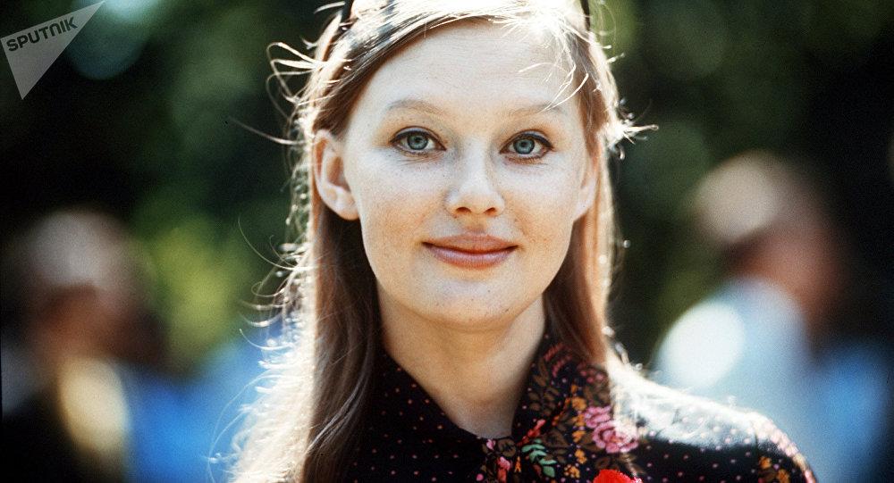Lyudmila Savelyeva, actriz soviética y rusa (archivo)