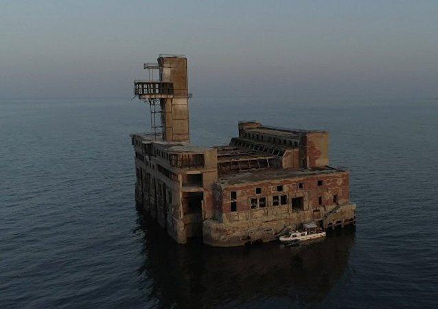 La misteriosa fortaleza soviética abandonada en el Caspio