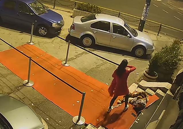 La mujer atacada por un hombre cerca de la discoteca Dorian Gray en Sarajevo