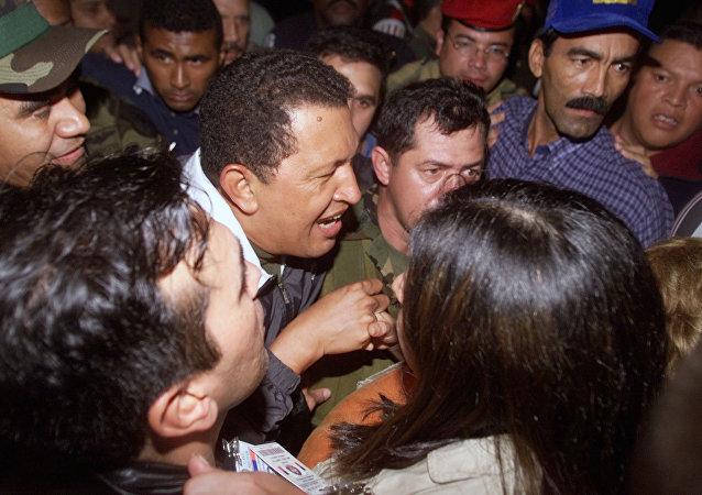 Hugo Chávez vuelve al palacio de Miraflores, 14 de abril de 2002
