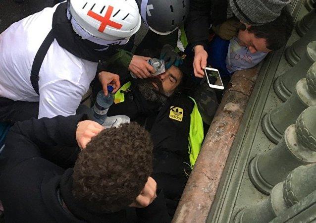 Un líder de los 'Chalecos amarillos' pierde un ojo durante los violentos enfrentamientos