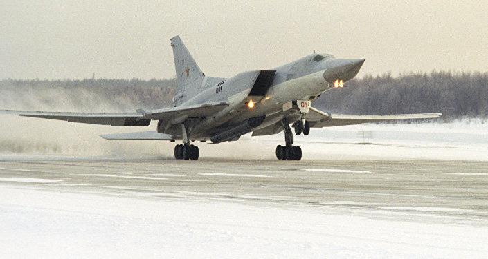 Un bombardero supersónico ruso Tu-22M3