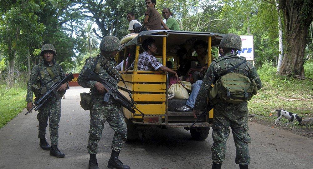 Militares filipinos en un puesto de seguridad en la isla de Joló, Filipinas (archivo)