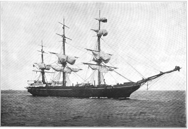 El buque estadounidense Monongahela, en la bahía de Guantánamo, en 1903